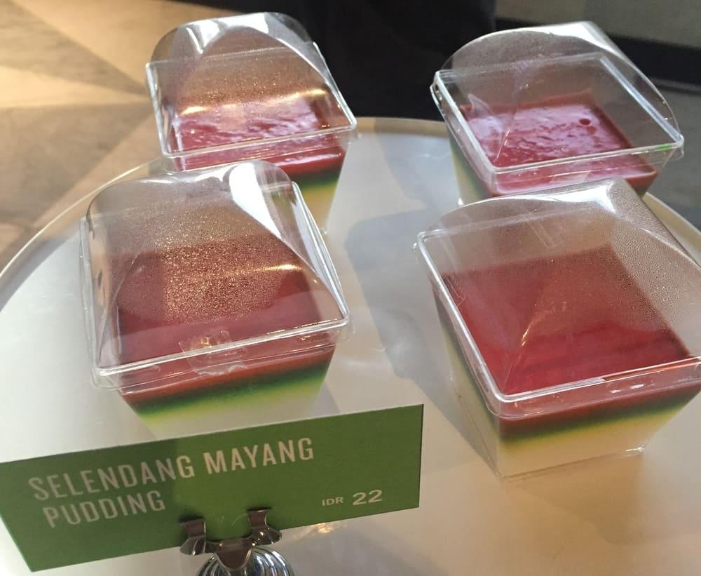 Starbucks Indonesia introduces Betawi cuisine 8