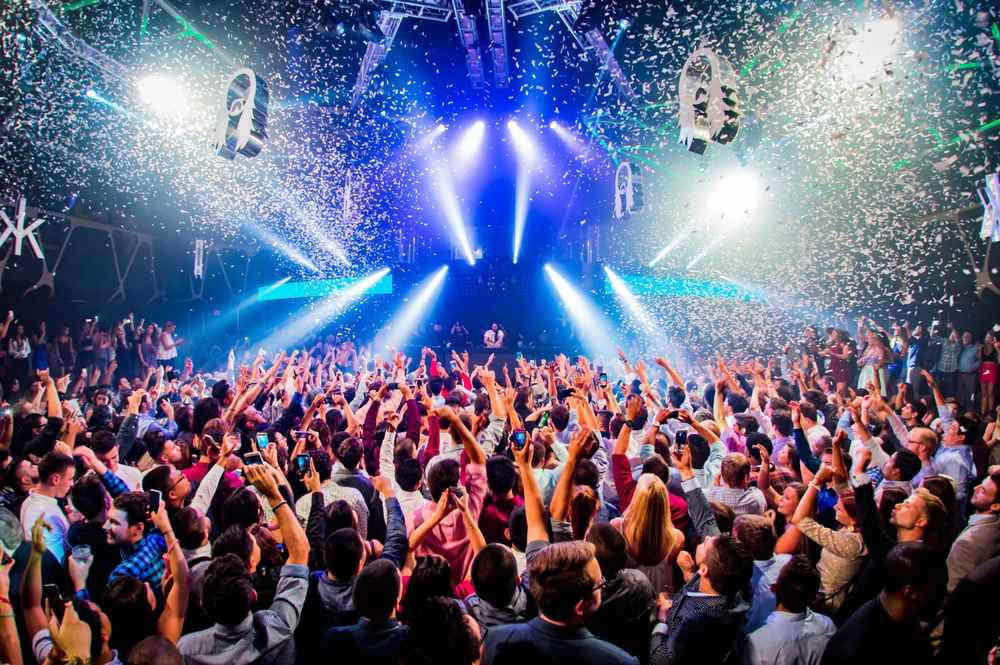 Online clubbing could shape a whole new technology industry 19