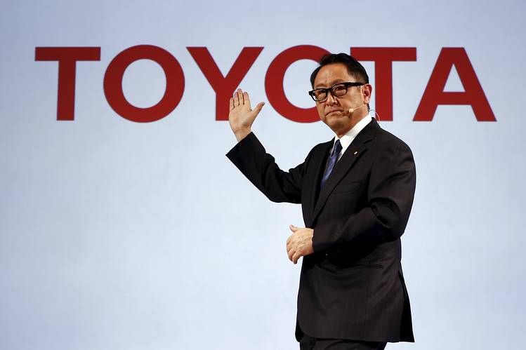 Toyota says electric vehicles are overhyped; places bets on fuel cell 74