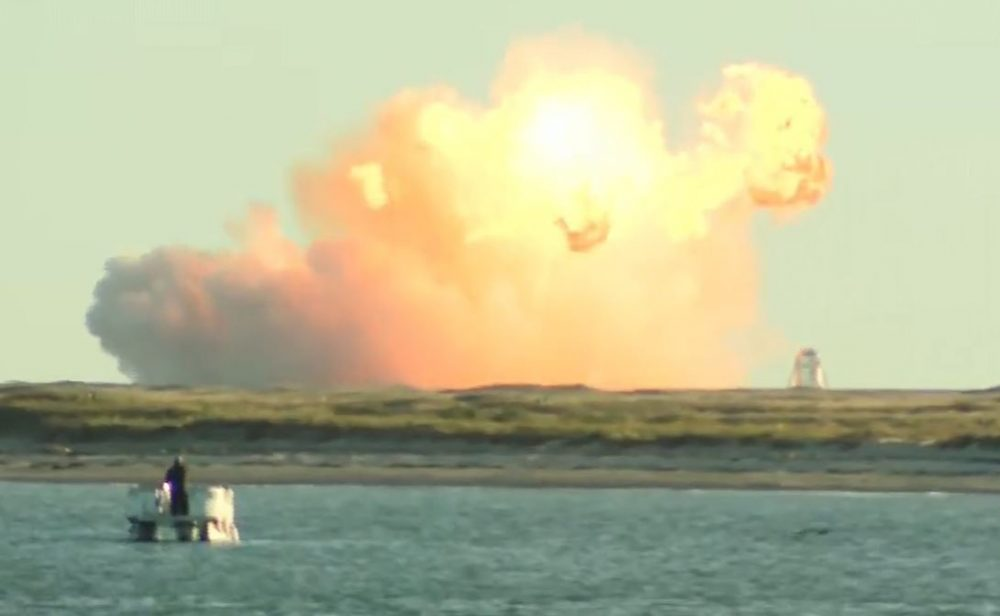 SpaceX's Starship SN8 crashes & burns into fireball during landing in a test 62