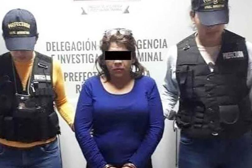 """Mexican wife mistaken photo of her younger-self as """"another woman""""; stabs her husband 74"""