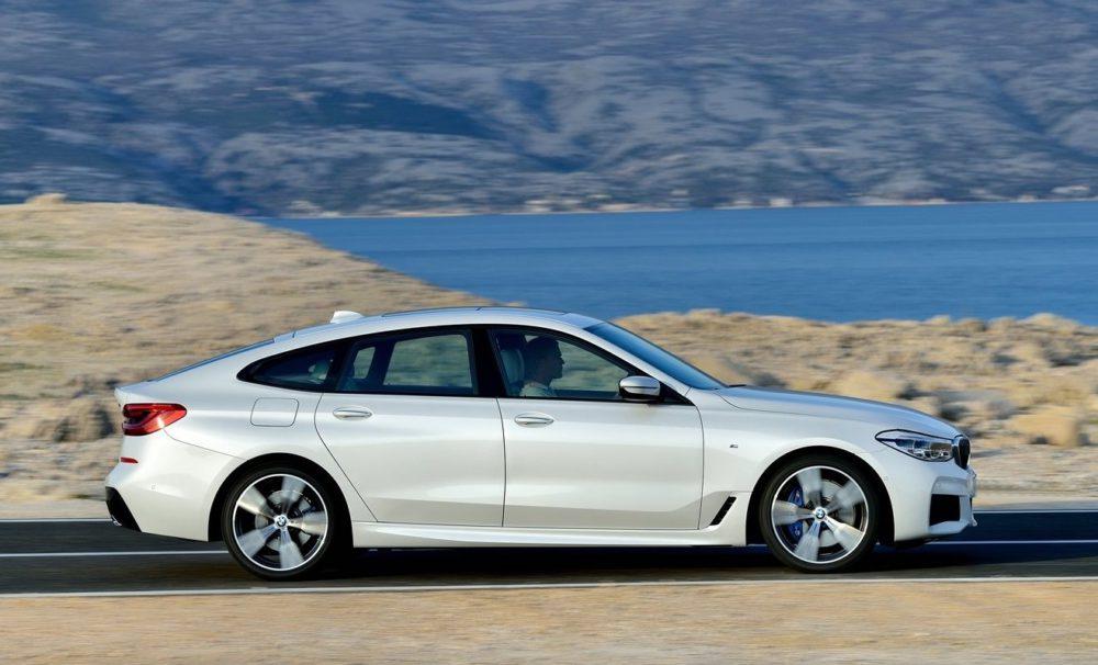 BMW unveils its first stunning electric sedan - the BMW i4 58
